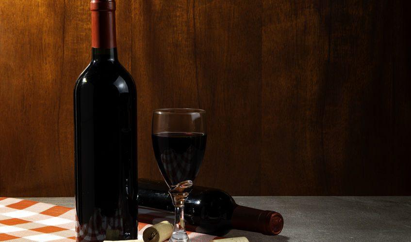 Comment ouvrir une bouteille de vin sans tire bouchon
